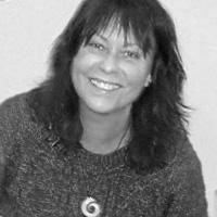 Dr Pam Davenport